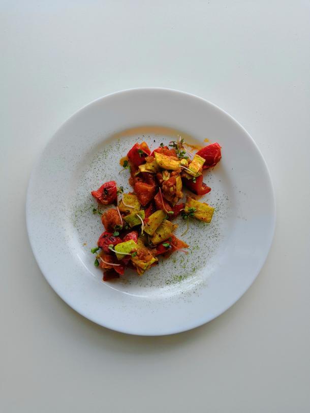 Запечённые овощи в томатном соусе